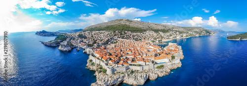 Fotografía  Aerial view of Dubrovnik old city in summer, Croatia