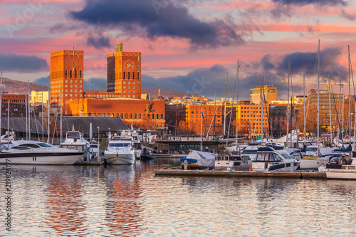 Photo Stands Europa Oslo Radhuset or City hall skyline during sunset in Norway