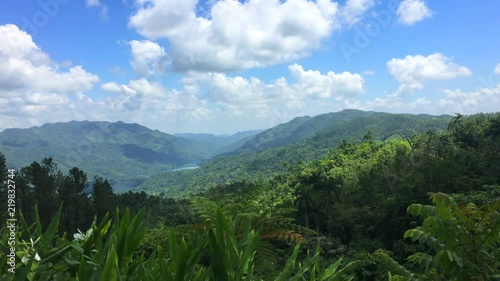 Fotografija  Cuba: beauty of tropical nature in the road leading to 'Topes de Collantes' (a n
