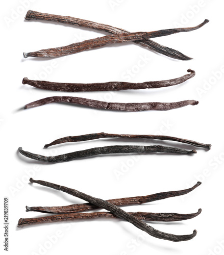 Tuinposter Kruiderij Set with vanilla pods on white background