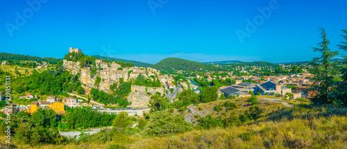 Foto op Aluminium Blauw Old town of Vaison-la-Romaine in France
