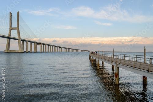 Photo The Vasco da Gama bridge, the longest bridge in Lisbon, Portugal