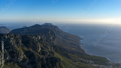 Foto op Aluminium Blauw A wild hiking trail Devil's Peak to Table Mountain, Cape Town, South Africa