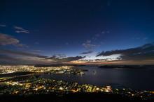 夜景 香川の観光スポット屋島山上からの高松市街並みと瀬戸内海の眺め2018年8月撮影