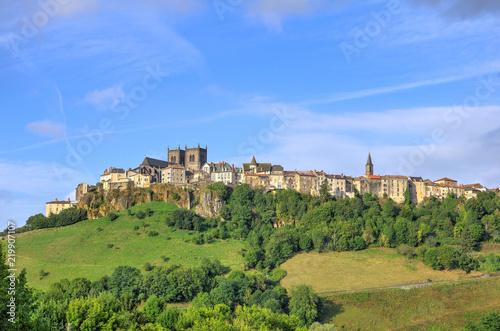 Fotografia, Obraz  La ville de saint flour en Auvergne dans le département du Cantal