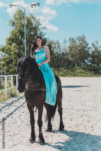 Photo  Romantic scene woman with a horse in the countryside