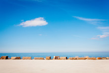 Havshorisont Bakgrund Med Blå Himmel I Klart Väder Med Horisontella Linjer Av Sten Och Havshorisont