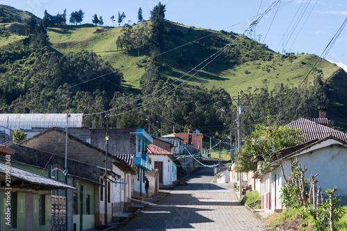 In de dag Zuid-Amerika land Isinlivi, village équatorien près de Quilotoa