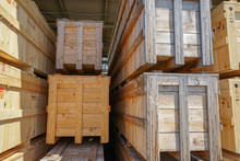 Wooden Pallets For Shipping St...