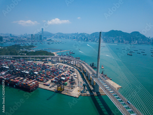 Tuinposter Poort Terminal container port in Hong Kong