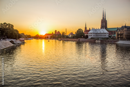 Foto op Aluminium New York river waterfront old medieval city street in shoreline district in summer colorful evening sunset time