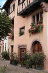 Fototapeta na wymiar Maison alsacienne