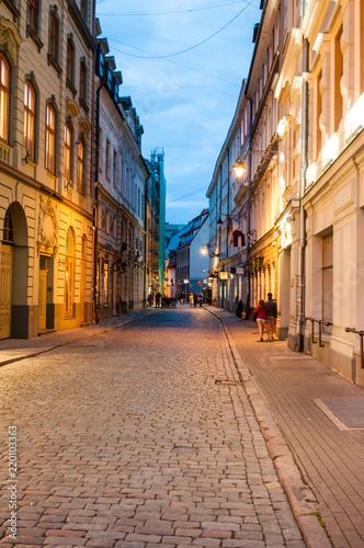 Fototapeten Schmale Gasse Riga