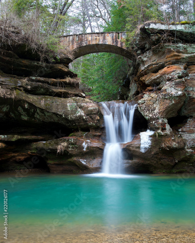 Fototapeten Forest river Hocking Hills Waterfall 02