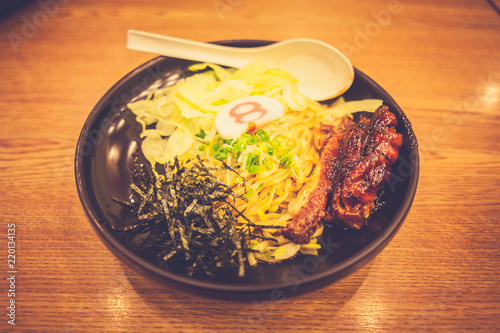 Photo  Vintage ramen bowl on table