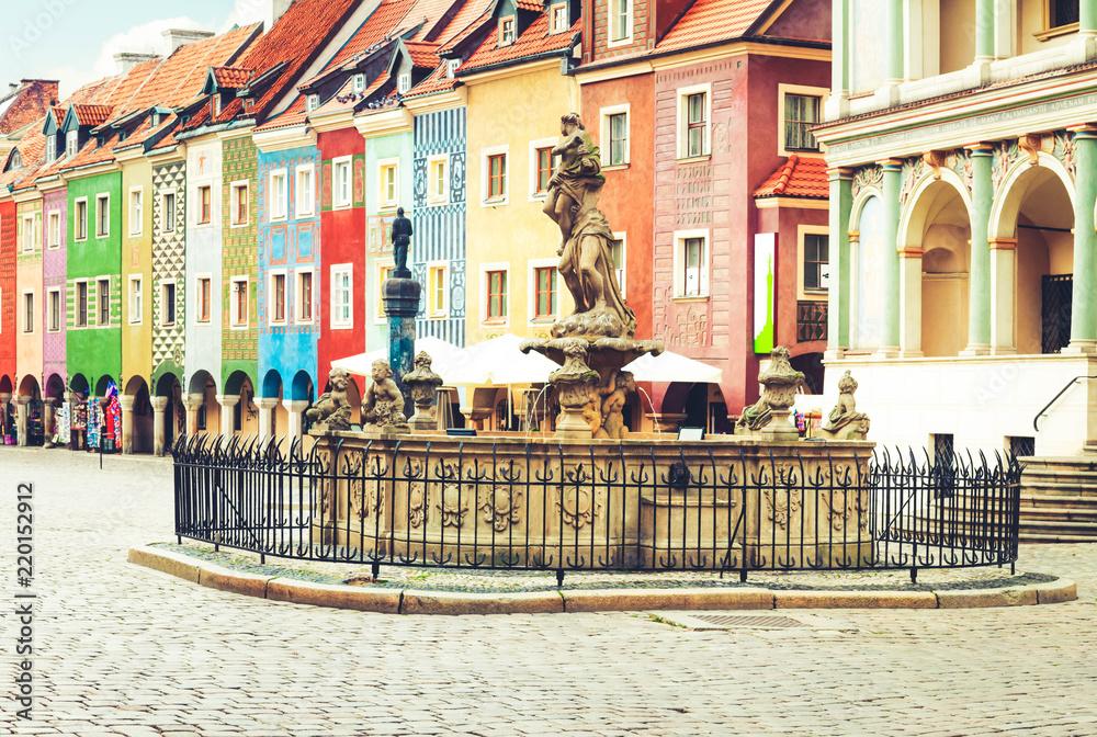 Fototapety, obrazy: Fontanna Proserpine XVIIIc i średniowieczne domy na centralnym rynku w Poznaniu