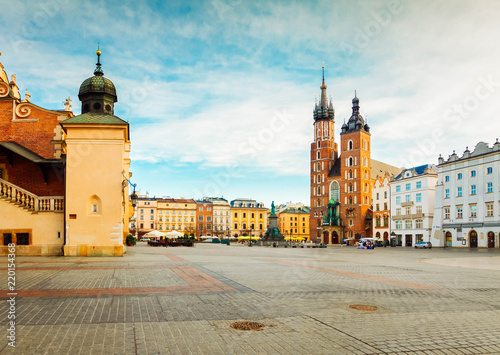 Poster Cracovie Market square with st Mary cathedral in Krakow, Poland, retro toned