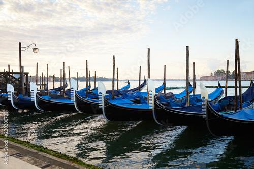 Foto op Plexiglas Venetie Gondola boats in Grand Canal in Venice, nobody in the early morning