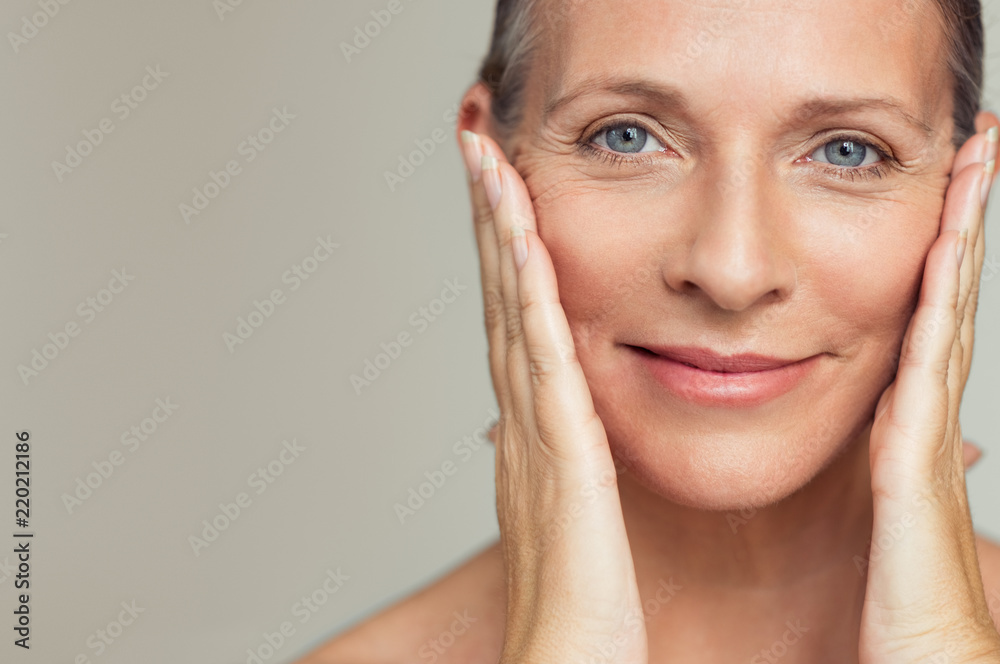Fototapety, obrazy: Happy mature woman aging process