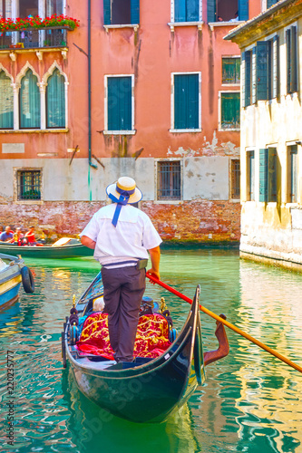 Gondolier in Venice Billede på lærred