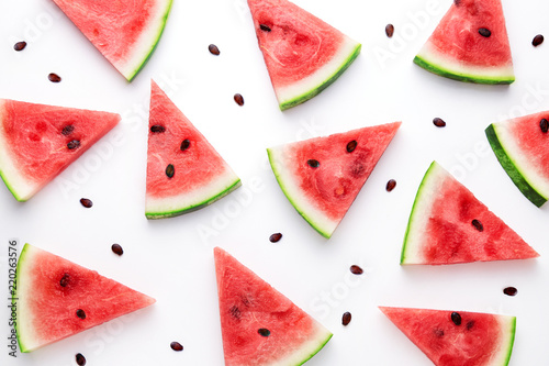 Fotografía  Watermelon slices pattern viewed from above