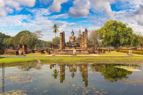 Staande foto Temple Sukhothai historical park