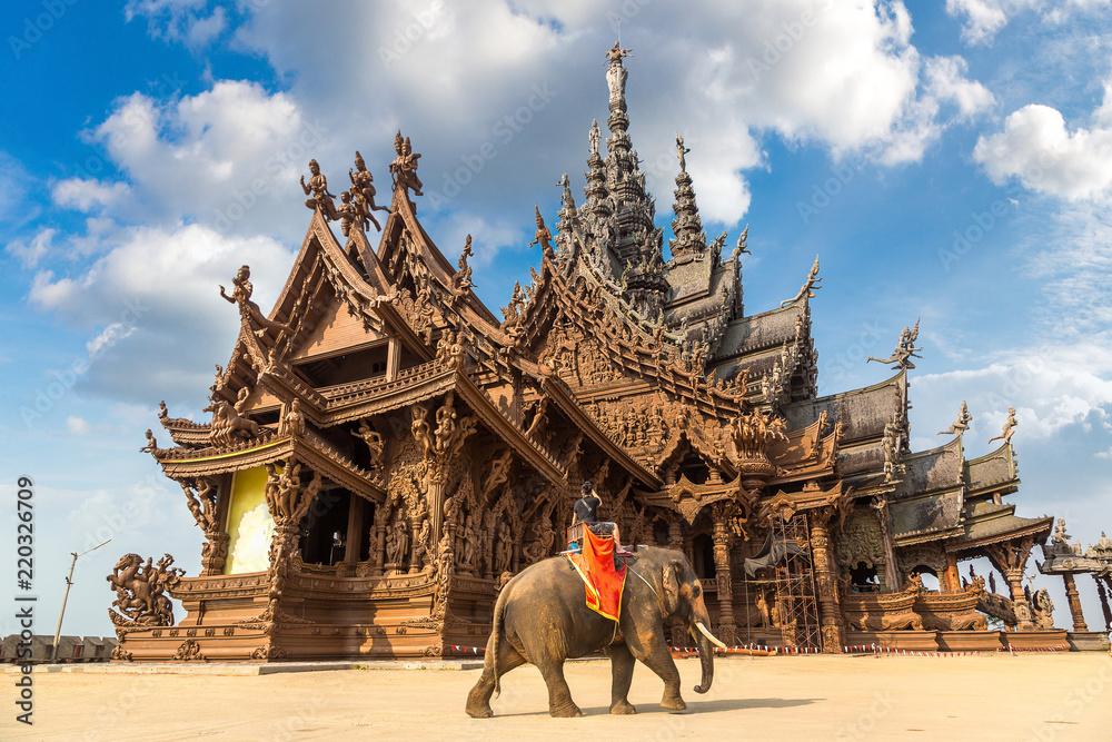 Fototapety, obrazy: Sanctuary of Truth in Pattaya