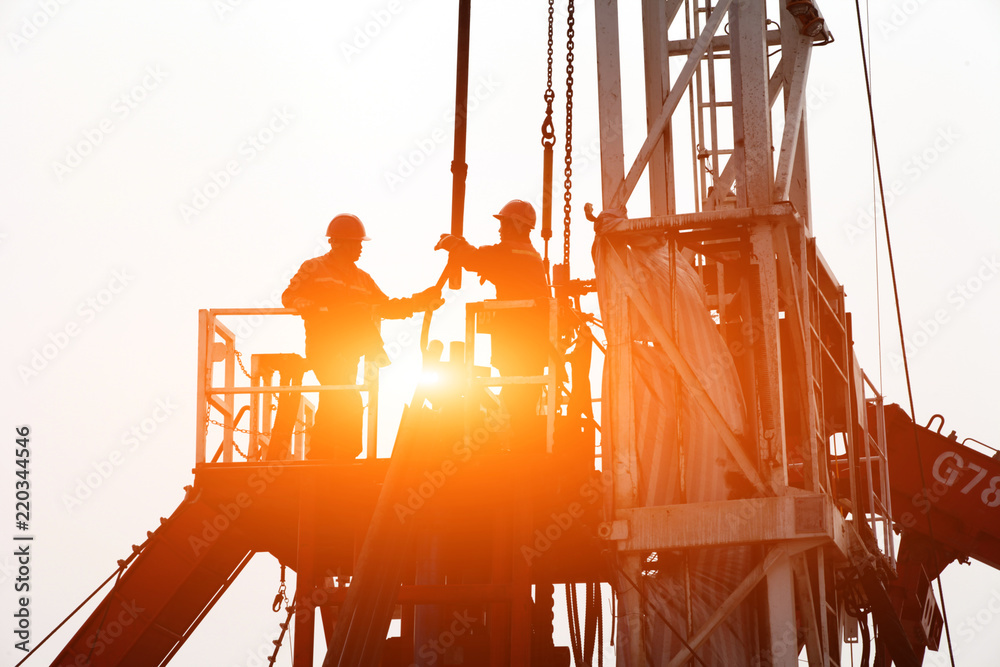 Fototapety, obrazy: Oil drilling exploration, the oil workers are working