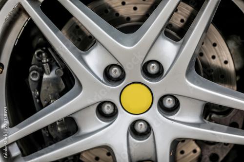 Fotografie, Obraz  rueda y llanta automóvil deportivo de lujo