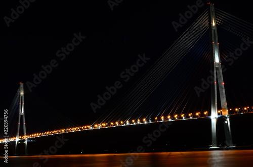 Fotobehang Brug Мост на остров Русский. Владивосток