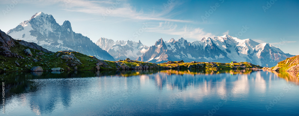 Fototapeta Colorful summer panorama of the Lac Blanc lake with Mont Blanc (Monte Bianco) on background
