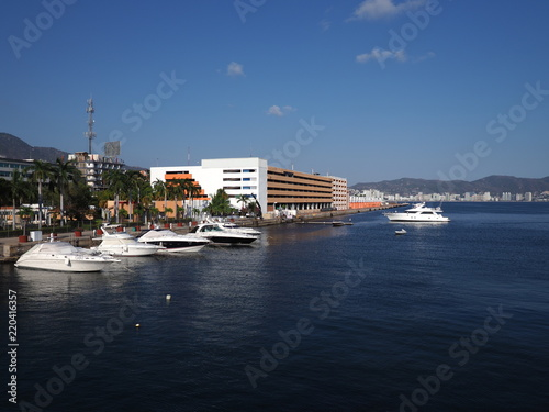Fotografie, Obraz  Spectacular panorama of luxury yachts at bay of mexican city of Acapulco in Mexi