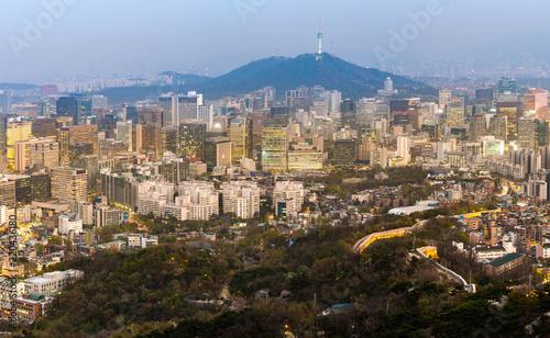 Staande foto Aziatische Plekken Night view of Seoul Downtown cityscape