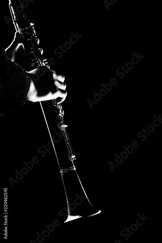 Foto op Plexiglas Muziek Clarinet player hands isolated