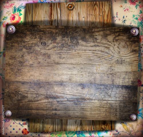 Sfondo vecchia maniera con bacheca in legno antico