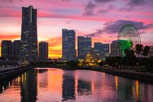 神奈川県 横浜市 みなとみらい 夕焼け空