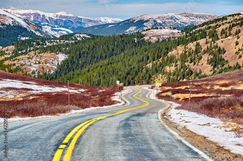 Poster Verenigde Staten Highway in Colorado Rocky Mountains