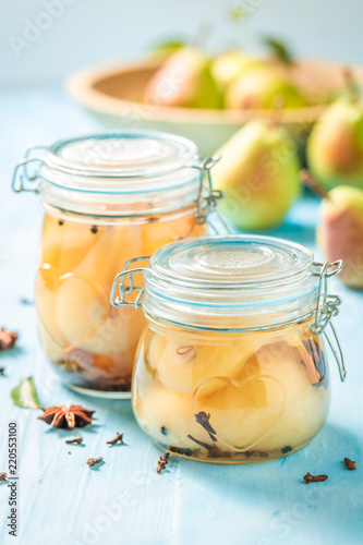 Preparation for fresh pickled pears in the jar