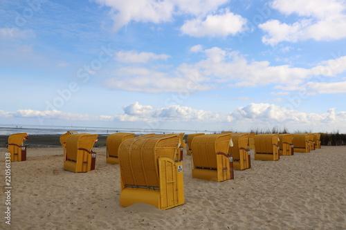 Strandkörbe an der Nordsee am Strand von Cuxhaven