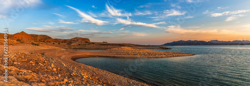 Fotografia  Beautiful panoramic landscape of the Lake Mead National Recreation Area from its muddy shore at sunset in summer, Nevada