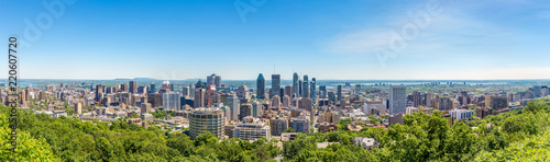 Spoed Foto op Canvas Canada Panoramic skyline view from Mount Royal hill at the Montreal city in Canada