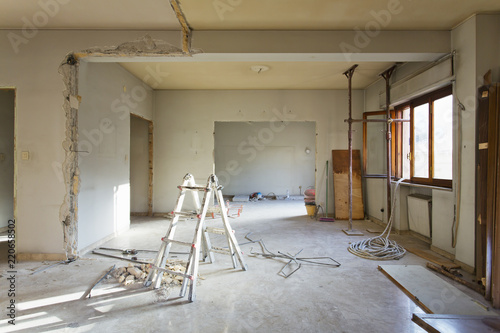 Fotografie, Obraz  Apartment not renovated, room before renovation