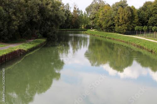 Fotobehang Kanaal bras du canal de Beautor