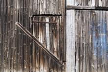 Porte De Grange Condamnée