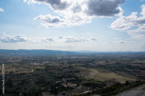 Foto op Aluminium Zwart Views of the Tuscan countryside and vineyards near Montisi, Italy