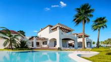 Private Villa. Expensive Mansi...