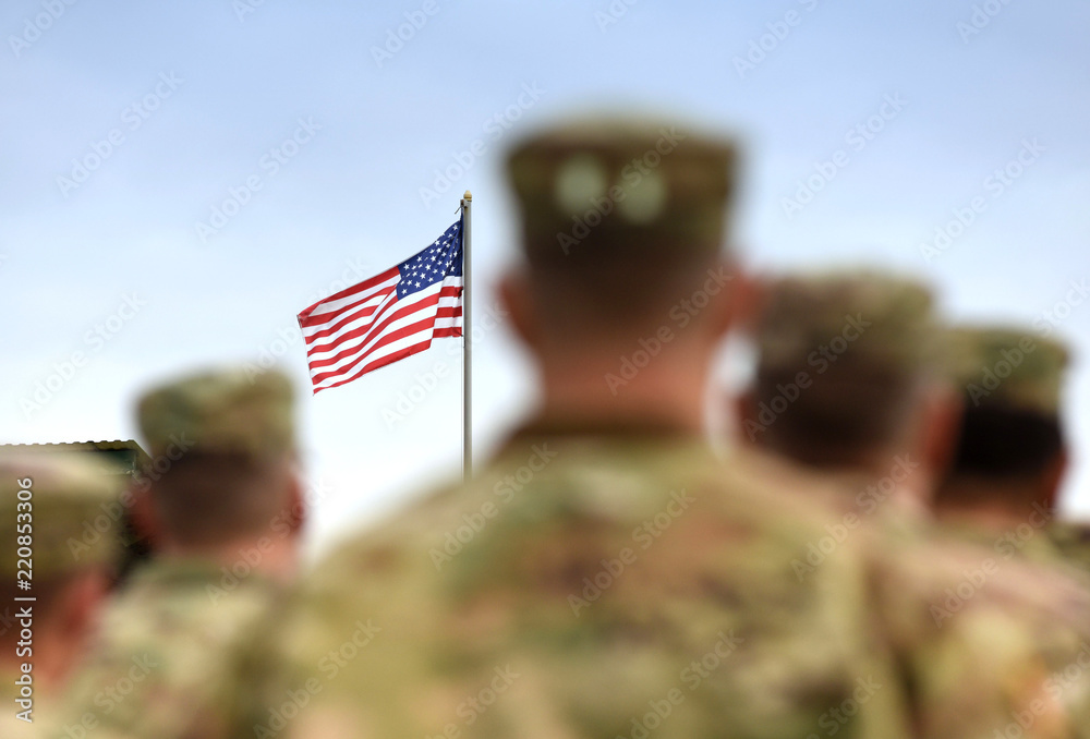 Fototapety, obrazy: American Soldiers and US Flag. US Army