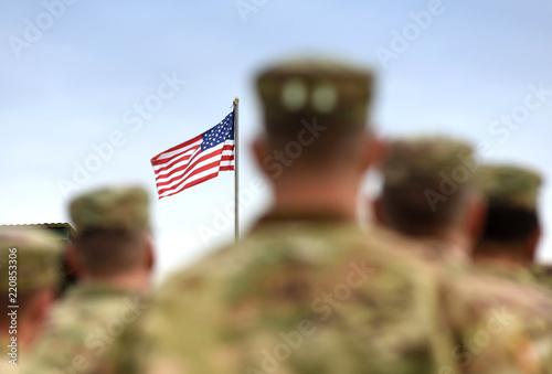 Cuadros en Lienzo  American Soldiers and US Flag. US Army