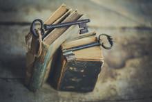 Vieux Livres Et Anciennes Clés