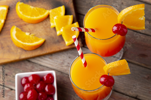 Foto op Plexiglas Cocktail Icy tequila sunrise cocktails